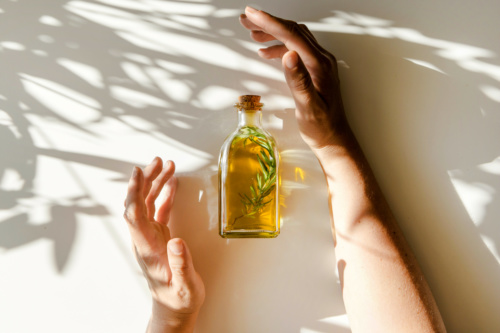 Everyday Oily with Essential Oils | The Practical Beauty